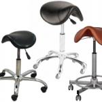 Hokery fryzjerskie – czyli podstawowy meble w Twoim salonie